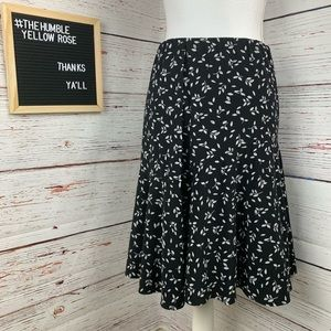 🌻 4/18$ American Living Floral Skirt
